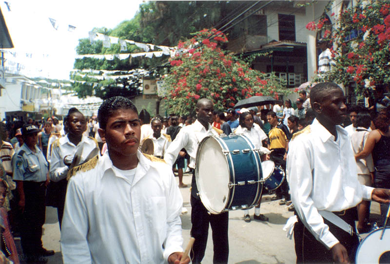 Roatan2000: Independance Day Band