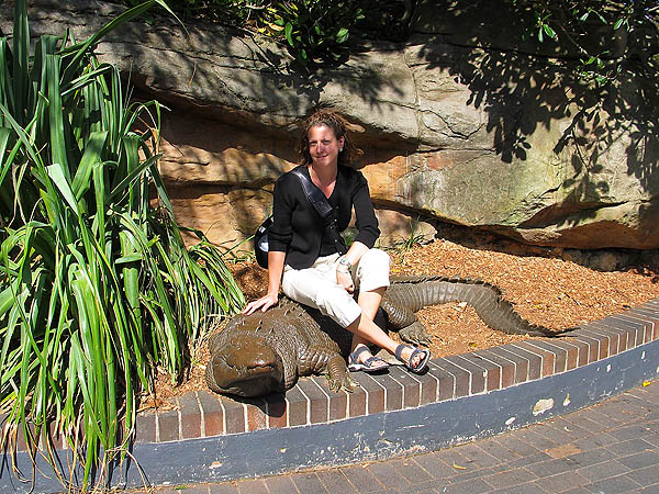 Australia 2004: Taronga Croc and Jane