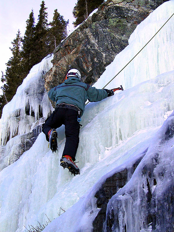 Lincoln Falls 2002: Curtis Climbing Ice 02