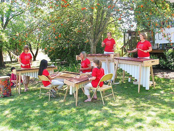 Lavender Festival 2004: Xylophone Band