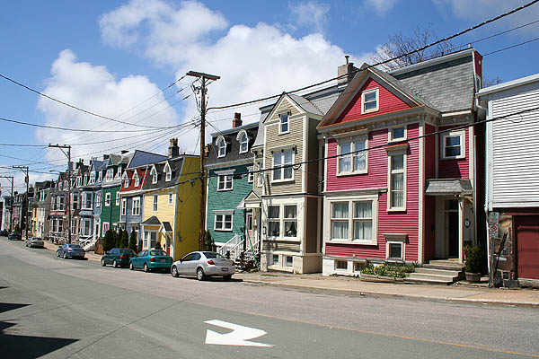 Newfoundland 2005: Colorful Houses
