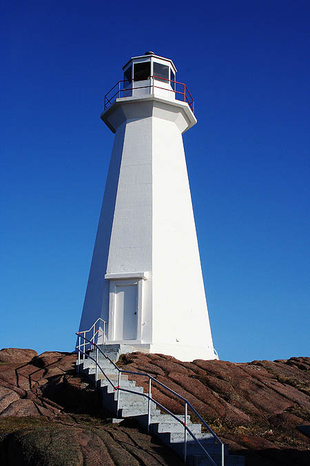 Newfoundland 2005: Cape Spear Lighthouse 03