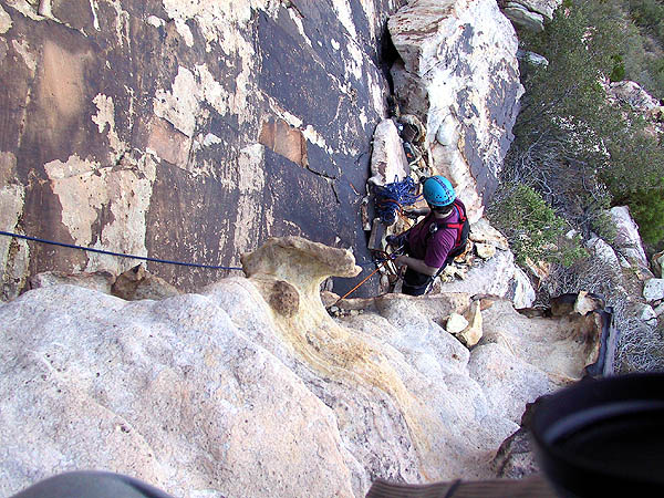 Red Rocks 2001: Day 1: Duncan Belaying